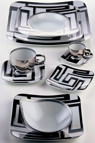 Dedalo_Black_Dinnerware_by_Versace